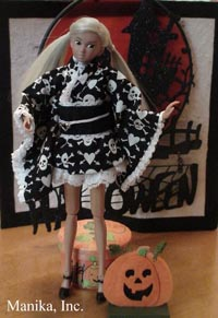 momoko wearing Manika exclusive Hallow's End
